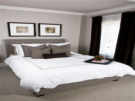 Pink And Gray Bedrooms, White Bedding With Gray Paint