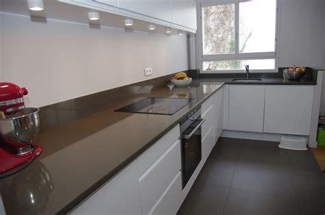 plan de travail cuisine quartz blanc plan de travail cuisine en quartz cuisines marbre blanc