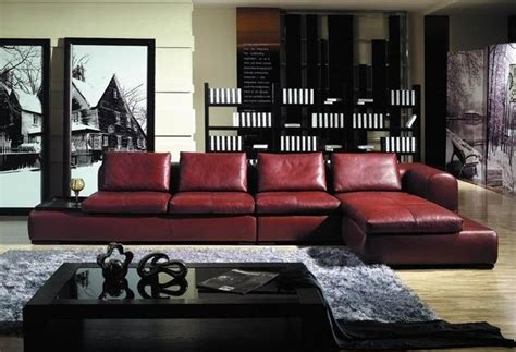 living room ideas  maroon couch decorating ideas