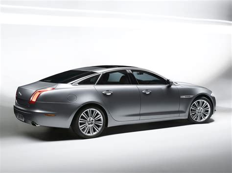 Jaguar Xj Backgrounds by Jaguar Xj Wallpapers And Backgrounds
