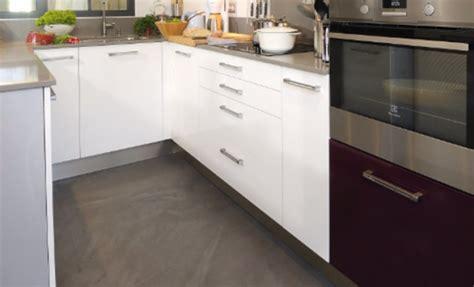 beton sur carrelage cuisine appliquer soi même un béton ciré sur du carrelage