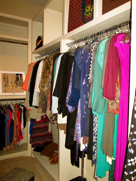 peak  tres chic pretty organization closets