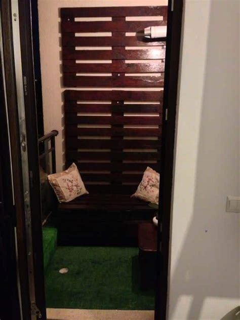 2 Square Meters Balcony Pallet Lounge Corner Idea ? 1001