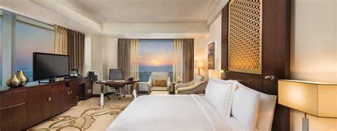 chambre d hotel dubai conrad dubai hôtels de luxe à dubaï