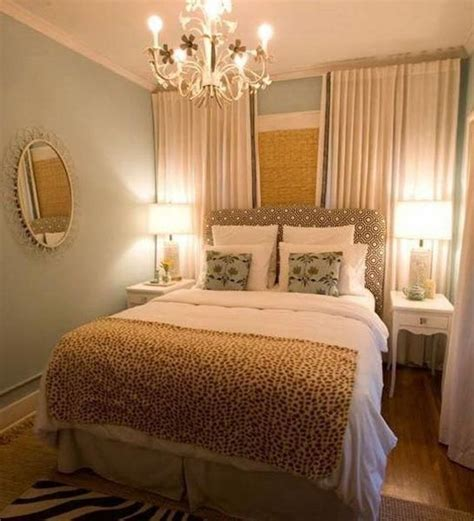 King Bed Decor Ideas by Beautiful Amazing Small Master Bedroom Ideas With King
