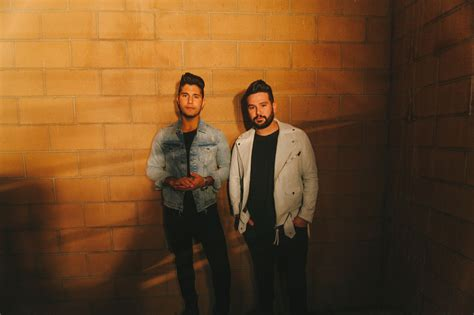 Acm Duo Of The Year Nominees Dan + Shay Singled Out On