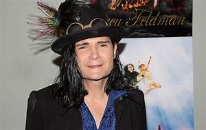 Watch Corey Feldman lose a tooth while performing and stop ...