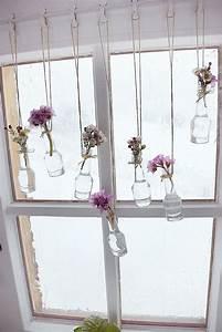 Fensterbank Außen Dekorieren : bastel sie mit uns fr hlingshafte fensterdeko pflanzen deko fensterdeko und deko fr hling ~ Eleganceandgraceweddings.com Haus und Dekorationen