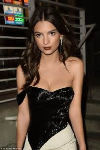 Emily Ratajkowski shows off cleavage in Los Angeles ...