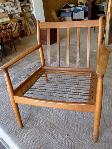 diy modern chair how to refinish a vintage midcentury modern chair diy Diy Modern Chair