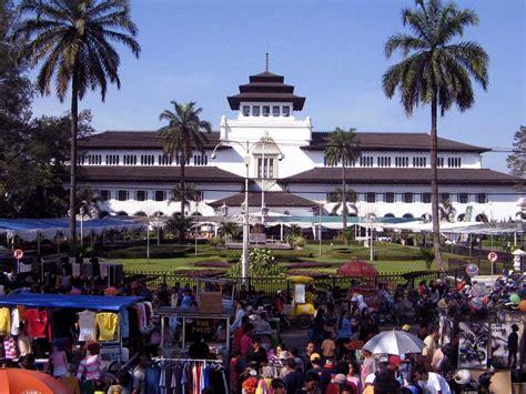 indonesia hotel booking book  hotel  indonesia