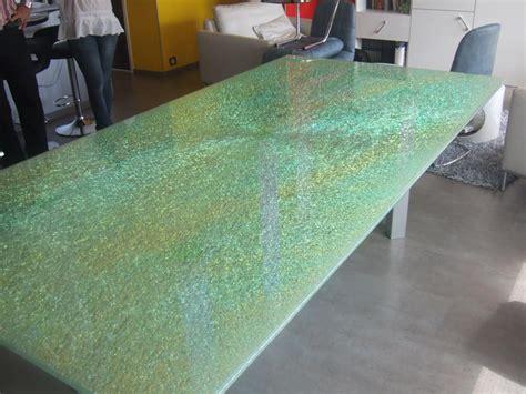 chambre des metiers de l artisanat table en verre assemblé feuilleté avec verre du milieu cassé