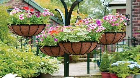 Lovely Hanging Flower And Vegetable Garden Design Ideas