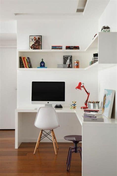 espace bureau dans salon les 25 meilleures idées de la catégorie étagères d 39 angle