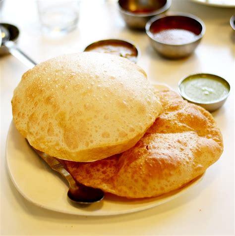 cuisine blanc noir photo gratuite cuisine indienne puri alimentaire