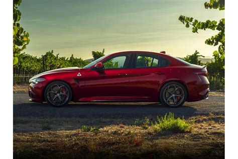 Alfa Romeo Cost by 2018 Alfa Romeo Giulia What S The Cost Of A Fill Up