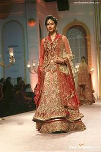 31 indian wedding dresses for Red indian wedding dress