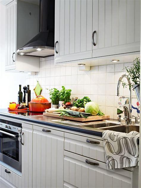 beadboard cabinets kitchen ideas beadboard cabinets for bathroom cabinets kitchen ideas 4372