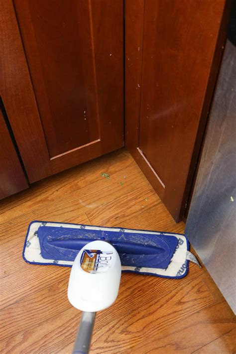 easiest way to clean kitchen floor the and easy way to clean wood floors in the kitchen 9633