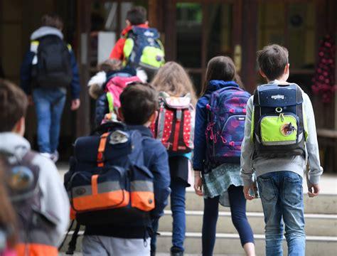 Corona@nrw.de bitte haben sie verständnis dafür, dass am bürgertelefon keine medizinische beratung zum coronavirus stattfinden kann. Corona NRW: Schulen sollen Unterrichtsbeginn entzerren ...