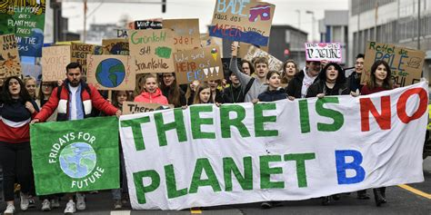 """Fridays for future (fff) is a global social movement based on pupils and students who are committed to comprehensive, fast, and efficient climate protection measures in order to meet the 1.5. Kommentar """"Fridays for Future"""": Kulturwandel als Ziel - taz.de"""
