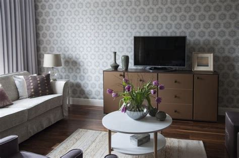Living Room Wallpaper Lilac by Lilac And Beige Restrained Traditional Apartment Home