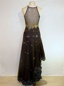 Pour choisir une robe louer une robe de soiree paris for Louer une robe de soirée