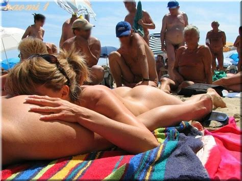 1g1photo Amateur Girlfriend Lesbian Oral Pool Public Sex