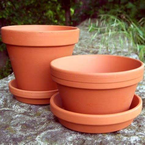 Half Flower Pot & saucers   13cm x 7.5cm   Terracotta.uk