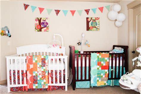 chambre jumeaux bébé decoration chambre bebe jumelles