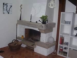cheminee en granit un peu vieillotte With superb peindre des poutres en bois 14 renover une maison ancienne