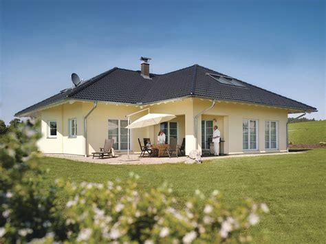 Weber Haus Musterhaus by Bungalow Zum Wohlf 252 Hlen Mediterranes Haus