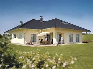 Schöne Bungalows Bauen : bungalow zum wohlf hlen mediterranes haus pinterest haus bungalow und fertighaus bungalow ~ Indierocktalk.com Haus und Dekorationen
