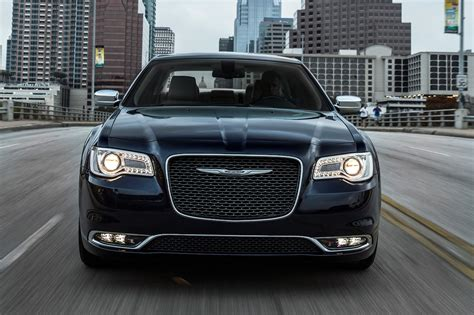 chrysler 300c 2017 chrysler 300 reviews and rating motor trend