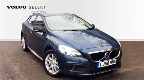 volvo  cross country  pro manual sat nav leather