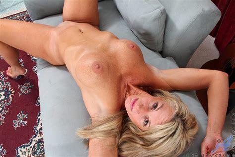 freshest mature women on the net featuring anilos jena jackson mature porn