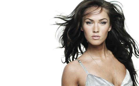 Female Celebrity Wallpapers High Resolution