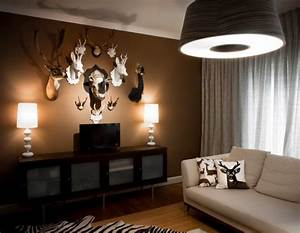 Sophisticated, hunting-inspired man cave decor - Decoist