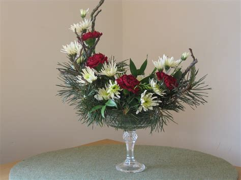 design arrangement crescent arrangement hannah s floral design