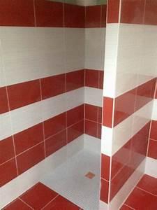 Faience cuisine rouge et blanc lertloycom for Cuisine mur rouge meuble blanc 13 entreprise pehlivan pose de carrelage sol et mur 224