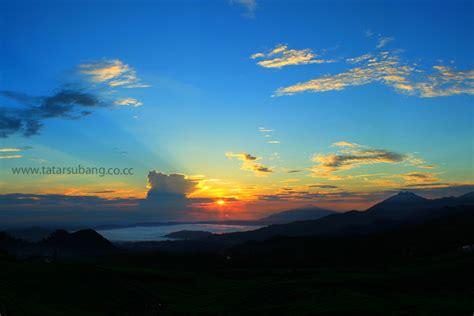sunrise  kaki gunung tangkuban perahu kotasubangcom