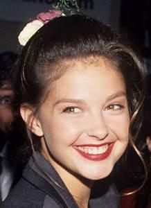 November 18, 1992 | Ashley Judd's Face Through the Years ...