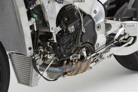 061215-2016-honda-rc213v-s-engine
