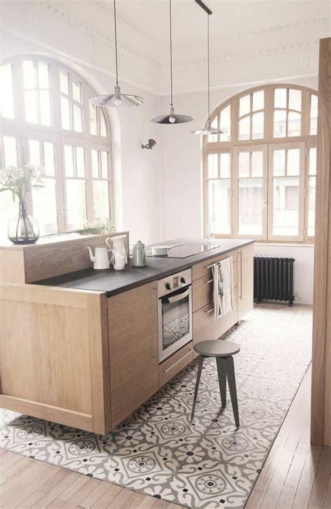carrelage pour sol de cuisine 17 meilleures idées à propos de cuisine avec sol en