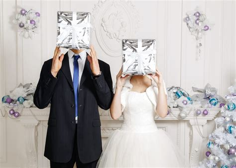 thoughtful wedding gifts   bride  groom belle