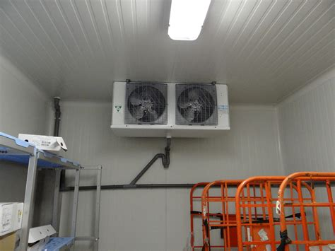 image chambre froide chambre froide à alleur conserver denrées marchandises