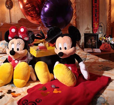 halloween  room celebrations  disney parks