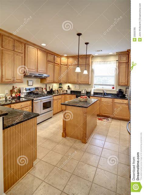 cuisine libre cuisine spacieuse photo libre de droits image 20503785
