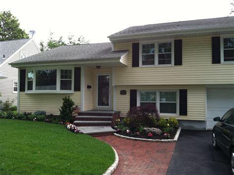 split level house landscaping landscaping for split level homes google search bi level homes pinterest landscaping