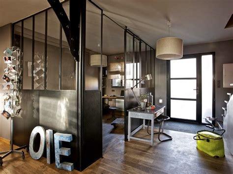 office de cuisine separation cuisine salon mais avec des panneaux hauts